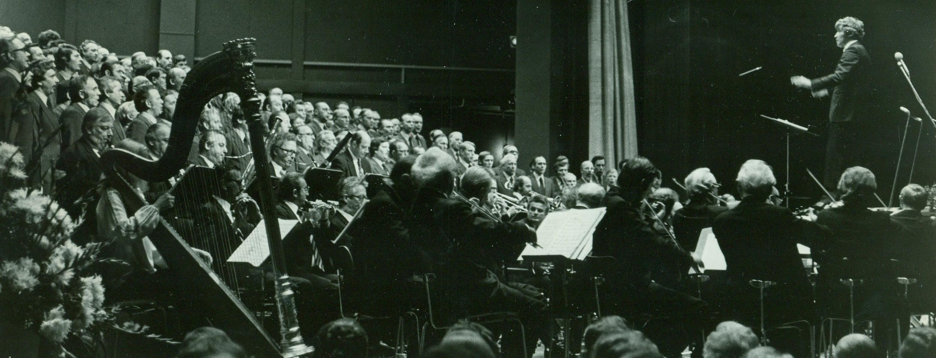 Nicht nur Chöre sondern ganze Orchester wurden dirigiert